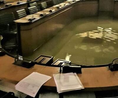 İklim değişikliği önergesini reddettikten 2 dakika sonra su bastı