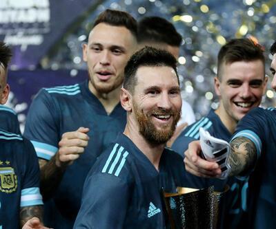 Arjantin Brezilya'yı Messi ile devirdi