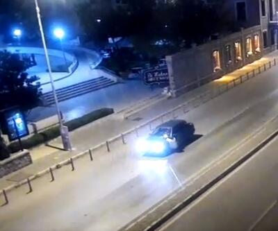 """""""Dur"""" ihtarına uymayan sürücü, polisi 400 metre arabasının kaputunda taşıdı"""