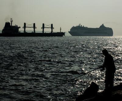 İstanbul'a 2 bin yolcu getiren dev kruvaziyer demir attı