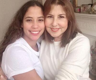 Nilüfer, kızı Ayşe Nazlı ile hasret giderdi