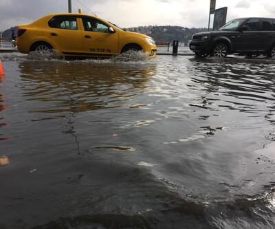 Sarıyer'de araçlar su altında kaldı