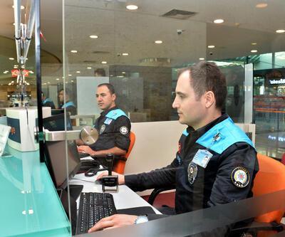 Pasaport polisleri artık turkuaz giyecek