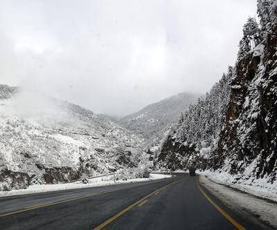 Zigana Dağı'nda kar kalınlığı 15 santimi geçti