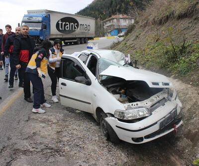 Kastamonu'da otomobil ile TIR çarpıştı
