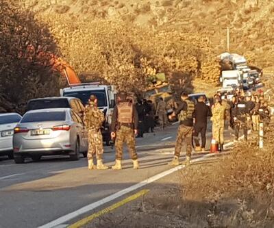 Tunceli'de askerleri taşıyan zırhlı araç devrildi