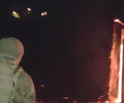 Havaya ateş eden jandarma aileyi yanmaktan kurtardı