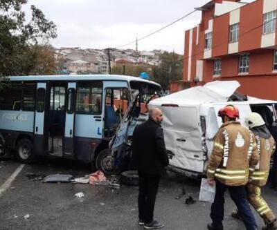 İstanbul'da minibüsle kamyonet çarpıştı: Yaralılar var