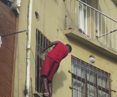 Pencere demirleri sayesinde canını kurtardı