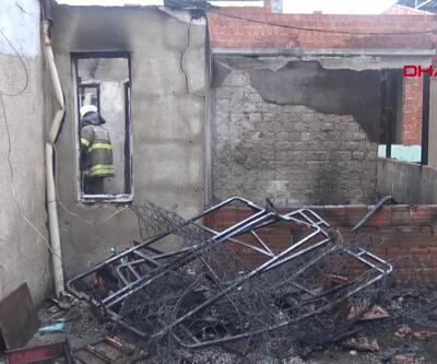 Üç katlı binada yangın paniği