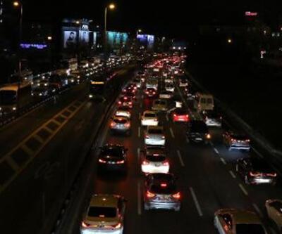 İstanbul'da trafik yoğunluğu yüzde 74'e ulaştı