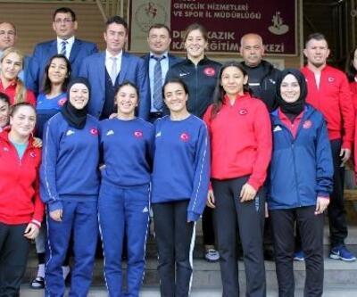 Olimpiyatlara hazırlanan milli takıma ziyaret