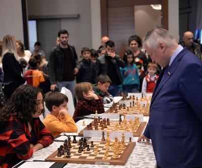 12 yaşındaki Işıl, Büyük Usta Karpov ile berabere kaldı