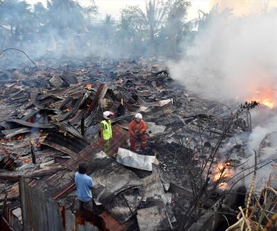 Malezya'da yangın faciası: 20 ev kül oldu