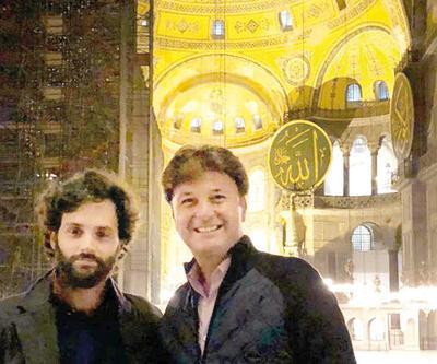 Ünlü oyuncu Penn Badgley İstanbul'da