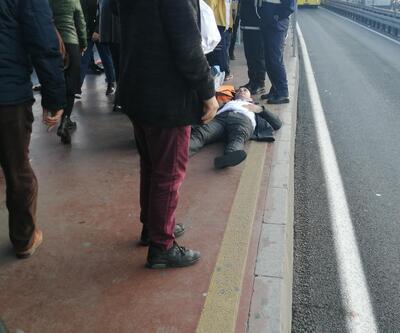 Durakta yere düşen kişiye metrobüs çarptı