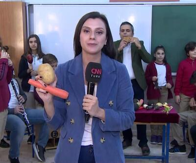 Sebzelerden müzik aleti yaptı, şimdi öğrencileriyle çalıyor