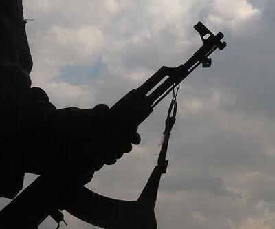 Hakkari'de İkna edilen terörist teslim oldu