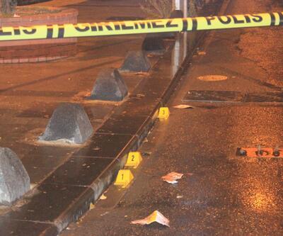 İstanbul'da gece saatlerinde hareketlilik! Parkta oturan gençlere ateş ettiler
