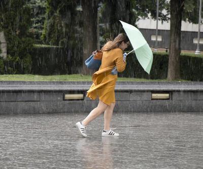 Son dakika... Meteoroloji'den iki il için kuvvetli sağanak uyarısı