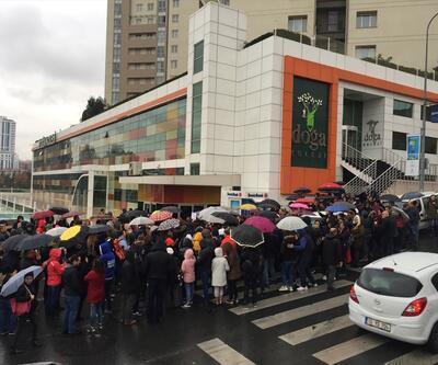 Doğa Koleji önünde 'devir' protestosu