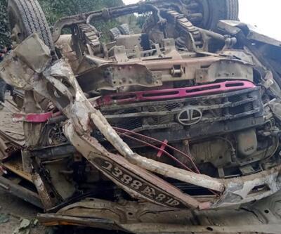 Nepal'de otobüs kazası: 14 ölü