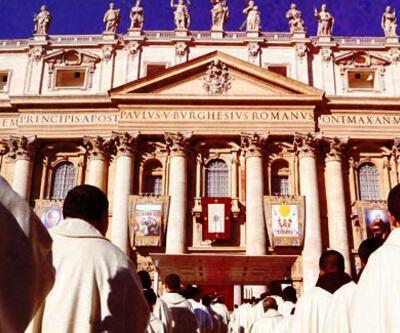 Vatikan'a rekor sayıda cinsel istismar şikayeti