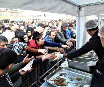 Balık-ekmek izdihamı! Vatandaşlar birbiriyle yarıştı
