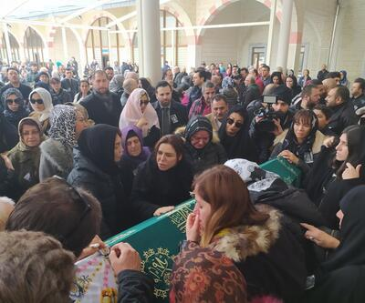 Ceylan yeğeni Nazlıcan Arkan'ın cenazesinde gözyaşlarını tutamadı
