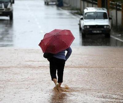 Adana'da etkili sağanak nedeniyle kriz merkezi oluşturuldu