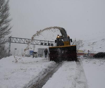 Van, Hakkari ve Bitlis'te yollar kardan kapandı