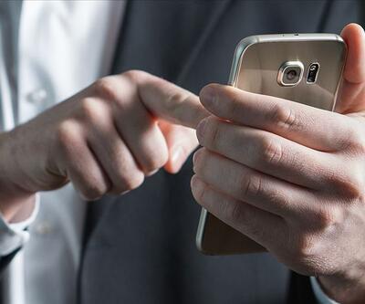 FETÖ'cü akademisyenin telefonla kadınların gizli görüntülerini çektiği ortaya çıktı