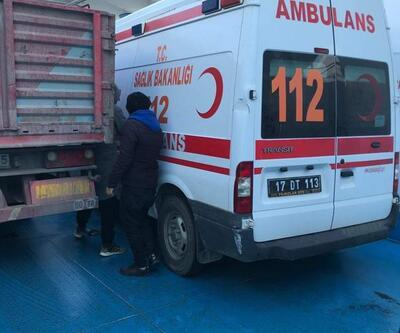 İçinde ambulansın olduğu feribot, poyraz nedeniyle Gökçeada'ya döndü