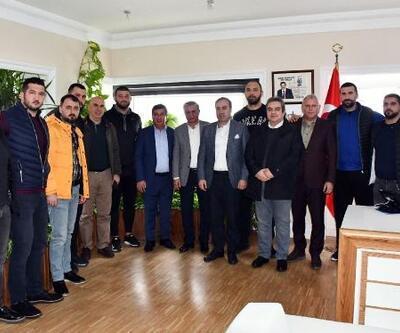 Başpehlivan Gürbüz'den Topaloğlu'na ziyaret