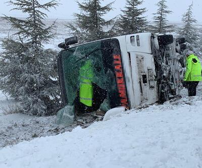 Eskişehir-Ankara karayolunda otobüs devrildi