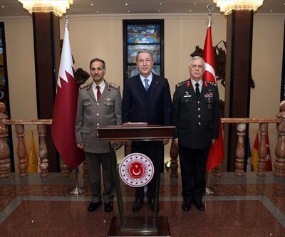 Bakan Akar, Katar Kara Kuvvetleri Komutanı Al-Khayarın'i kabul etti