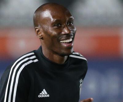 Atiba Hutchinson: 1 yıl daha Beşiktaş'tayım