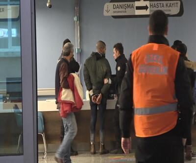 Polislere bıçakla saldırdı: 2 polis yaralandı