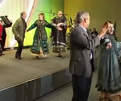 Bush ve Putin'den dans şovu