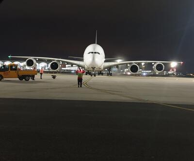 İstanbul Havalimanı'nda bir ilk! A380 tipi uçak acil iniş yaptı
