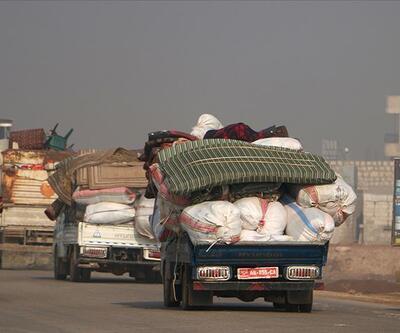 Son dakika... 13 bine yakın sivil Türkiye sınırı yakınlarına göç etti