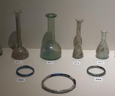 Roma dönemi cam şişeyle başladığı koleksiyonu, 4 bin parçayı geçti