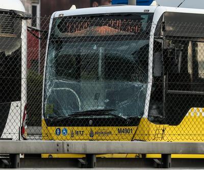 Metrobüs'te kaza! Otobüs şoförü yaralandı...