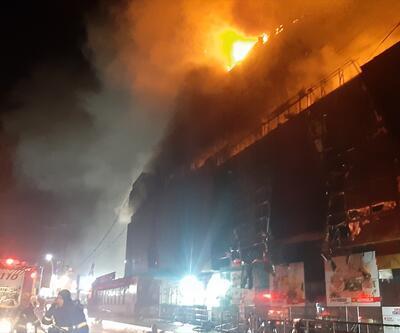 Kocaeli'de korkutan AVM yangını