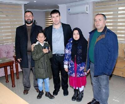 Kumbaralarında biriktirdiği harçlıklarını İdlib'e bağışladılar