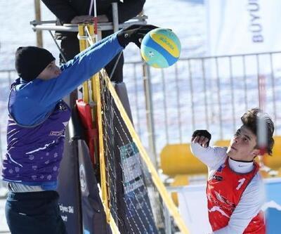 Toroslar'da Kar Voleybolu Türkiye Şampiyonası heyecanı
