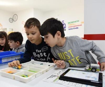 Edremit Belediyesi'nin öğrencilere karne hediyesi; robotik kodlama eğitimi