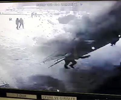 Hastane çatısının çökme anı kamerada