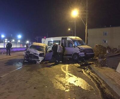 Darıca'da 3 araç çarpıştı: 11 yaralı