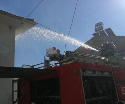 İznik'te ahşap ev yandı